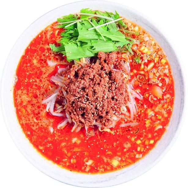 【写真を見る】「二代目めん家 味味」の赤たん(白ゴマ担々麺)(850円)