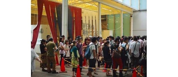 東京・上野での展覧会の様子!観客が殺到した