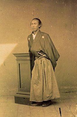 桂浜に立つ銅像のモデルにもなった、坂本龍馬の写真