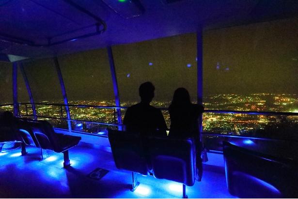 スロープカーからの夜景もロマンチック