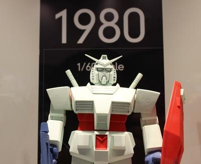 「RX-78 ガンダム」のプラモデルの変遷が分かる展示も