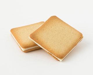 1年間で600万枚販売するザ・メープルマニアの「メープルバタークッキー」(18枚入1728円)
