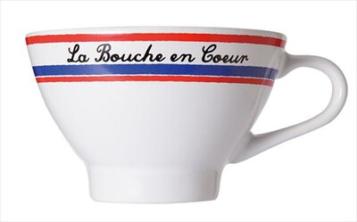 オリジナルカップで本場流の飲み方が楽しめる