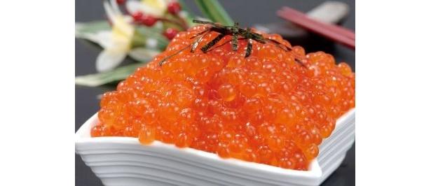 北海道の「ぶっかけイクラ丼」はボリューム満点!