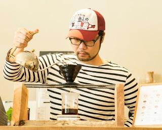 国内に数台しかないという、スイス・BUHLER社製の焙煎機を使用する