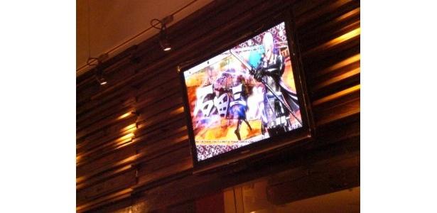 店内のモニターで戦国バサラのプロモーション映像が流れる