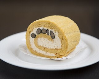 ロールケーキに味噌!?これぞ名古屋なケーキを発見!