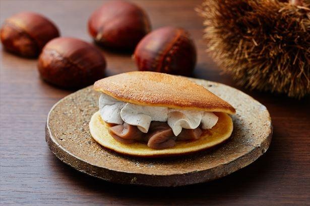9月5日(火)発売「イタリア栗のもっちりとした生どら焼」山芋を使用したどら焼生地でもっちり食感を楽しめる。