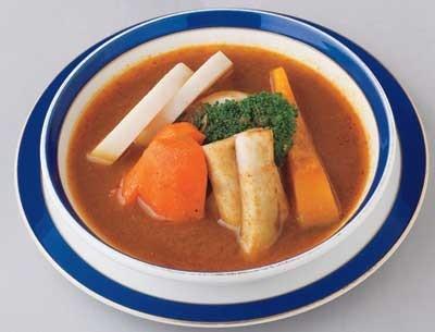 「カレーハウス横浜ボンベイ」の「温野菜カレー」は900円。デリー初期の味をアレンジしたカレーだ