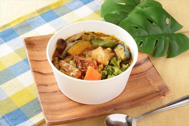 「野菜たっぷりスープカレー」(599円)