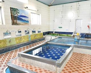 「一之湯」の女湯。浴槽は男女ともに1984年に改修された。電気風呂や薬湯、泡風呂などがある