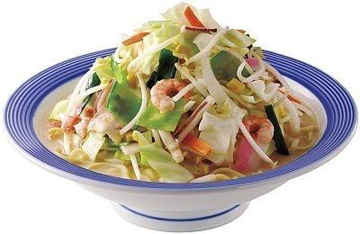 人気メニューの「野菜たっぷりちゃんぽん」(650円)。麺に使用する小麦を100%国産化した