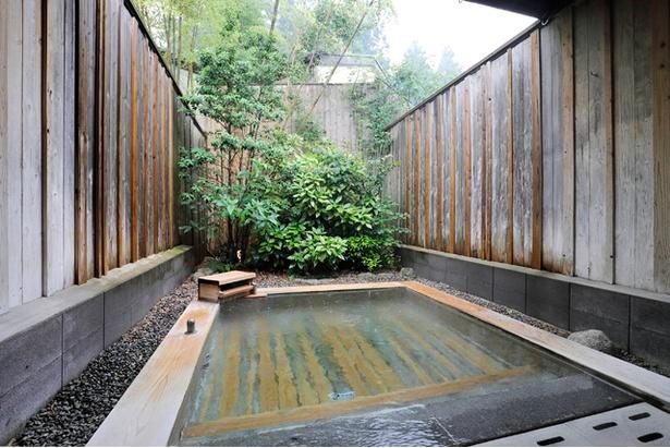 家族風呂(平日1部屋50分3000円、土日祝は3600円)※写真は「檜風呂」
