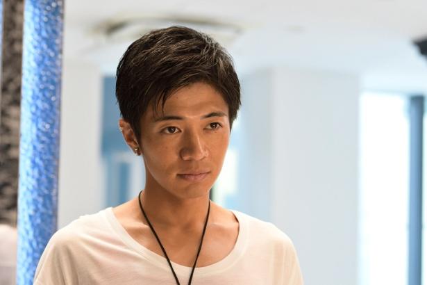 元子の通う美容院の店長・牧野を演じる和田正人