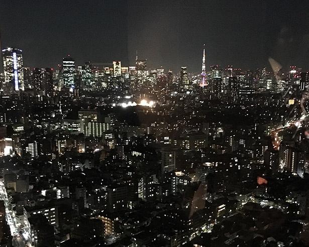 38階のスカイラウンジからの眺めは最高