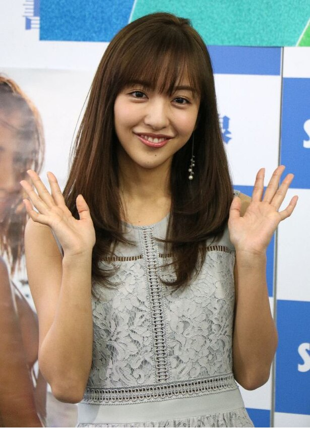 板野友美画像 in 3rd写真集「release」囲み会見 6/20