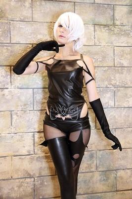 「ニーア オートマタ」のヨルハA型二号に扮するレアさん