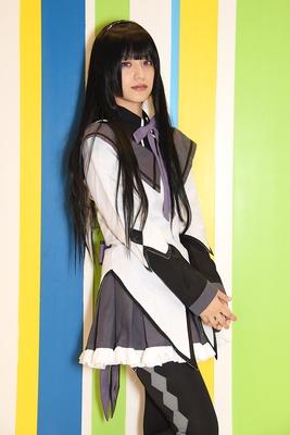 「魔法少女まどか☆マギカ」の暁美ほむらに扮する みおりさん