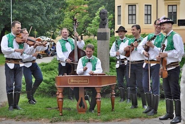 南モラヴィアから来日する「ツィンバロンバンド・ストラージュニチャン」の演奏を聴きにいこう