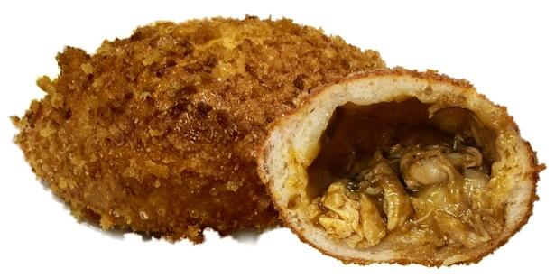 「いなばのタイカレー」缶三種を混ぜ合わせて作られたコラボカレーパン