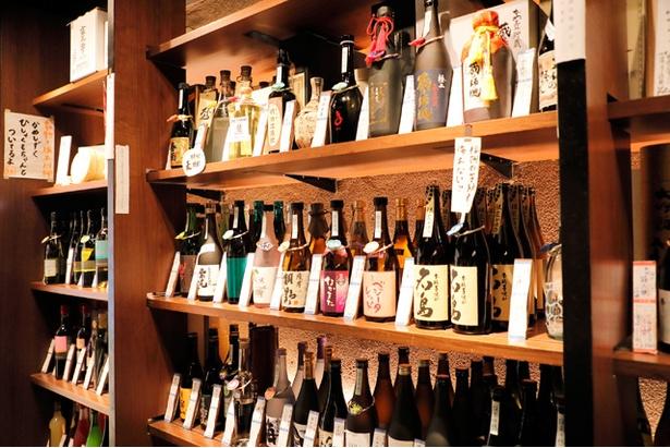 九州のお酒をメインに、食品や器の販売も行う