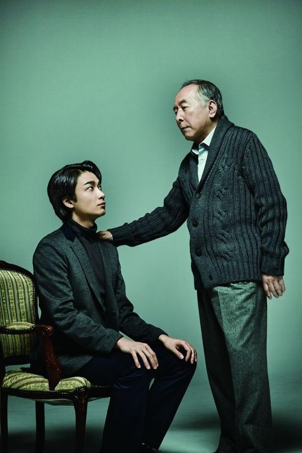 橋爪功&井上芳雄の二人舞台「謎の変奏曲」