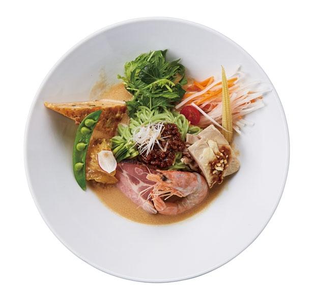 「濃厚肉みそゴマ冷麺」(1500円)。ホウレン草を練り込んだ翡翠(ひすい)麺にゴマダレと肉味噌をよく絡ませる/中華ダイニング ザイロン