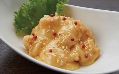 「海老マヨネーズソース」(1200円)は10種の調味料を使用/中華ダイニング ザイロン