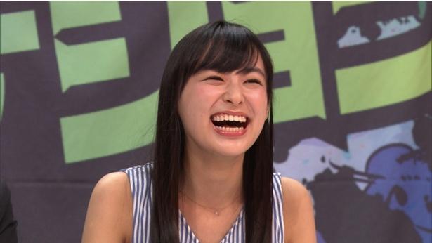 """【写真を見る】""""激辛審査""""で大爆笑する鈴木"""