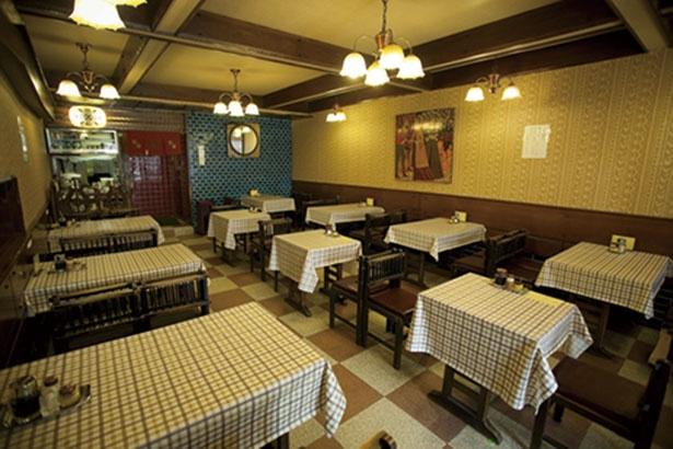 昭和の古きよき洋食店の雰囲気/はり重 カレーショップ