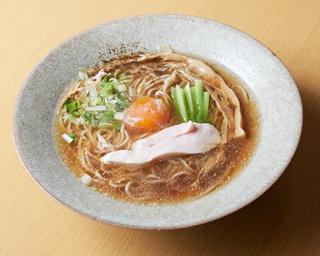 季節の道産⾷材をメインにした創作料理が味わえる「⻄洋料理・麺 ヌイユ」