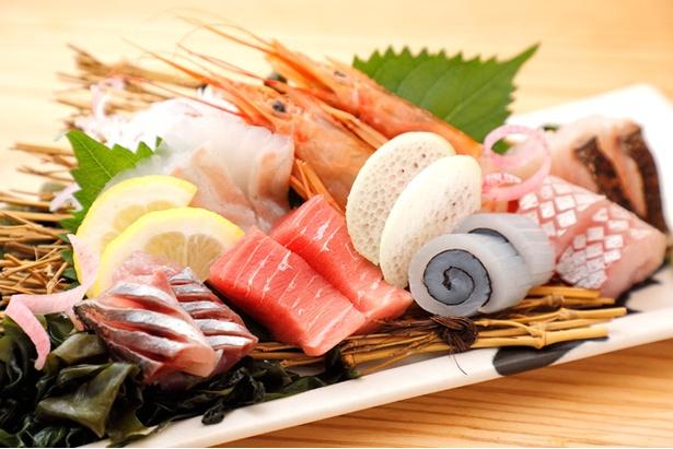 新鮮な海の幸満載!一番人気の「特上!長浜盛り!」(一人前950円)