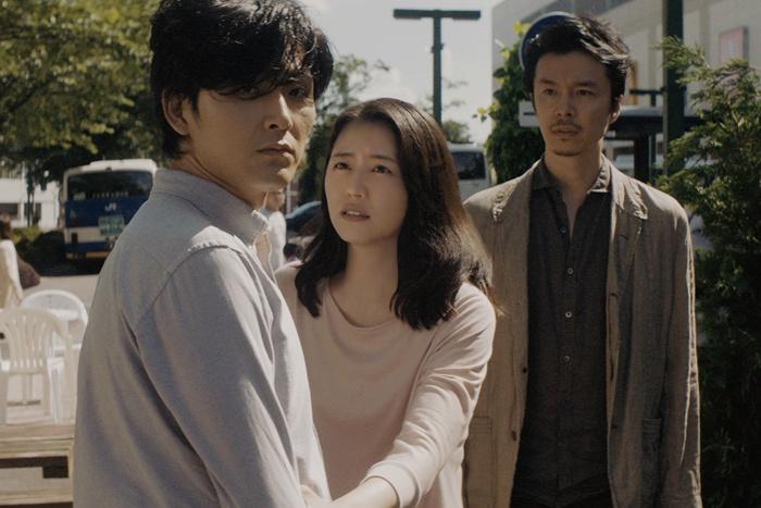 初共演となった松田と長澤が夫婦を好演『散歩する侵略者』
