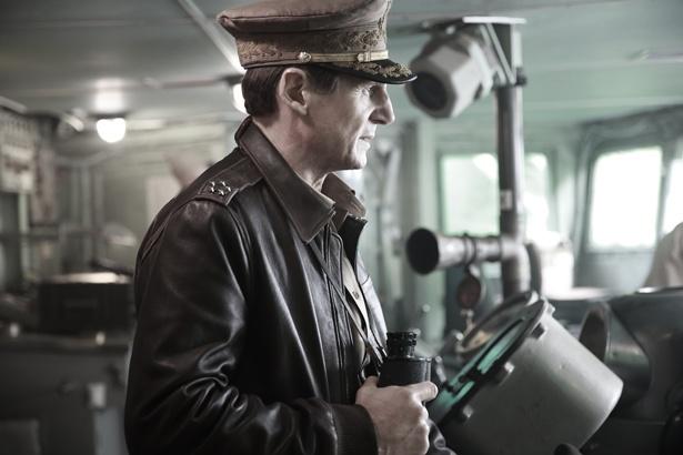 名優リーアム・ニーソンが韓国映画でダグラス・マッカーサーを演じる