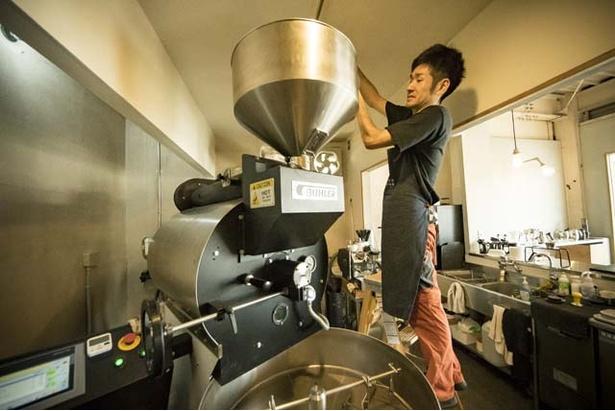 焙煎機は熱風式のBUHLER15-20kg