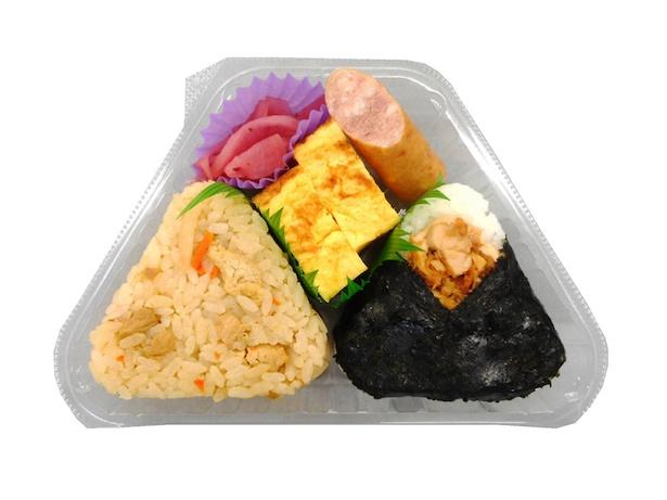 阿波尾鶏を使った「四国おにぎりセット とり飯&チキン南蛮」(330円)