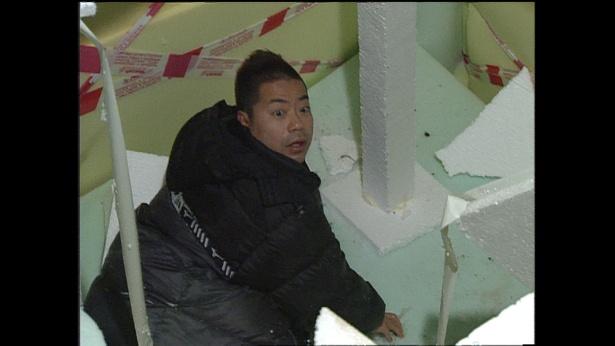 14年前、ロシアで落とし穴ドッキリに落ちてあぜんとする出川哲朗