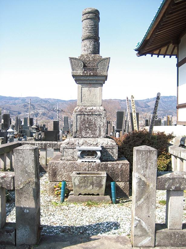 真田信幸(信之)の正室・小松姫の墓。正覚寺にある