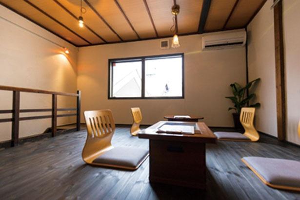 2階は席数も少なく、ゆったり過ごせる空間。1階にはカウンター席も/OTYOBO by ENGAWA cafe