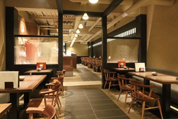 店内は町家のような落ち着いた雰囲気/よーじやカフェ 祇園店