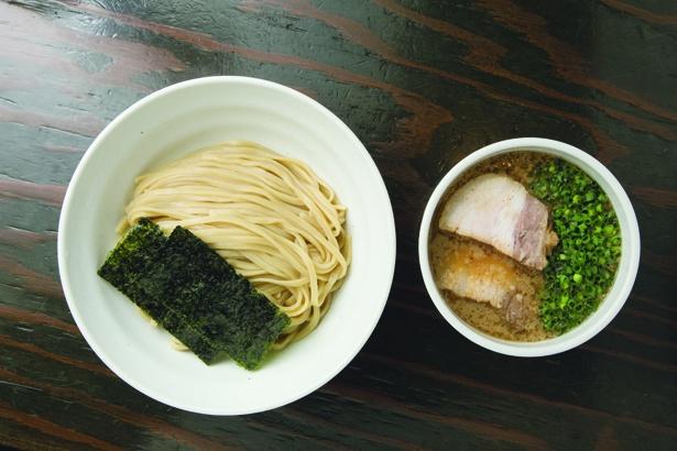 本店「札幌Fuji屋」で味わえる「醤油つけ麺(並)」(800円)
