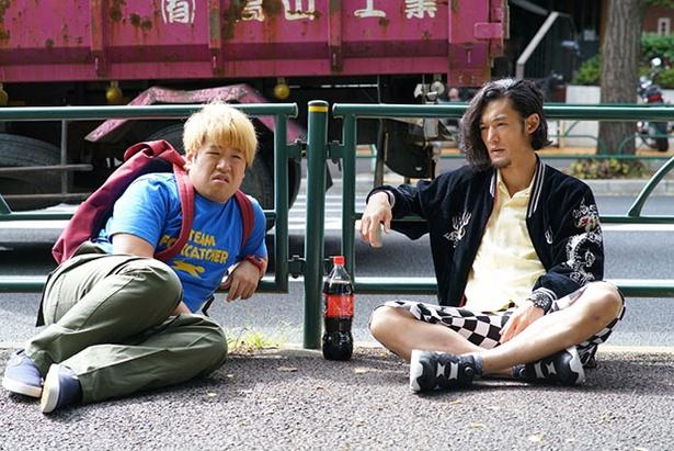 【写真を見る】森田は「とにかく主演の板尾創路さんの存在感が現場でもすごく際立っていますね」