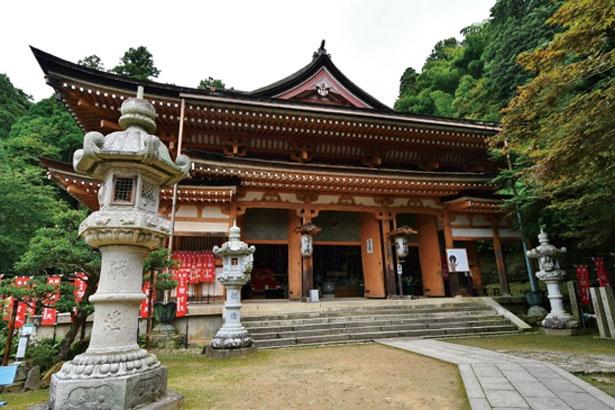 祈りの階段を上ったところの本堂/竹生島
