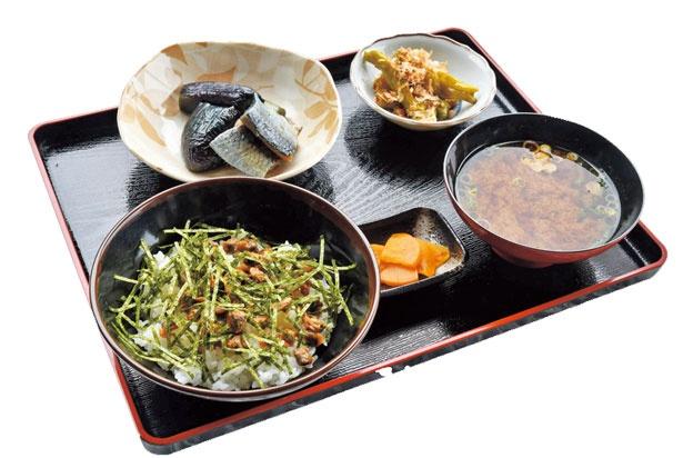 シジミの味噌などがつく「しじみ飯セット」(1000円)/たつや