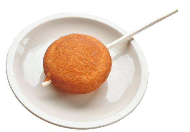 ジャガイモの「弁天芋餅」(200円)/たつや