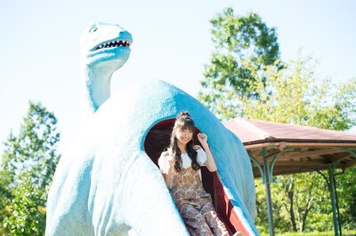 みよまる「見て見て♪恐竜のスベリ台があるよ」
