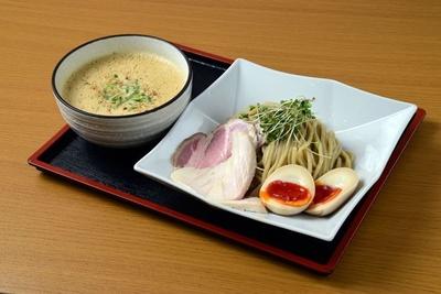 「濃厚鶏白湯つけ麺」(900円・大盛無料)/麺処 飯田家
