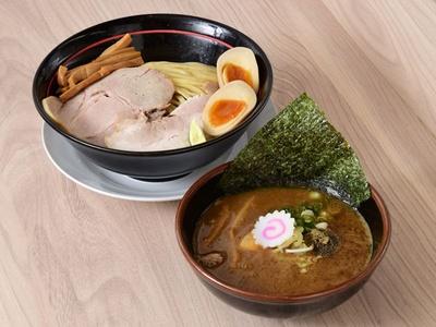 「特製豚骨つけそば」(1050円)/塚本一盃