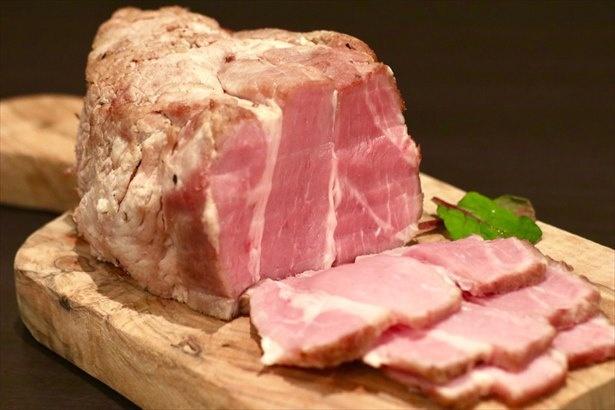 極上食感に仕上げた三元豚のローストポーク