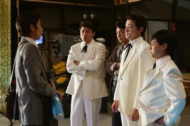 第5話では、小松がクレージーキャッツのメンバーの前でネタを披露する場面も